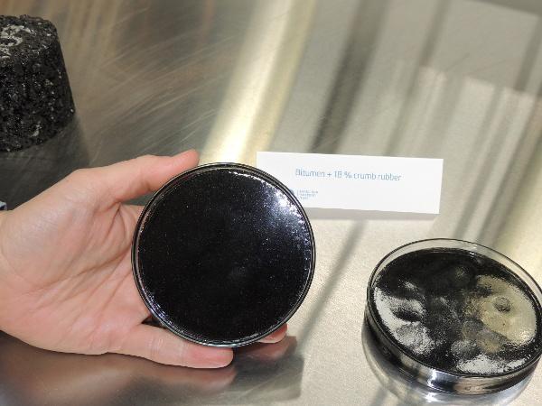 Crumb rubber bitumen