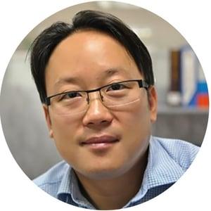 Jeffrey Lee headshot circle