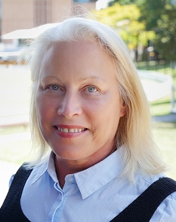 Dr Lori Mooren